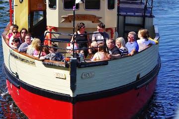 Boat tour in Belfast