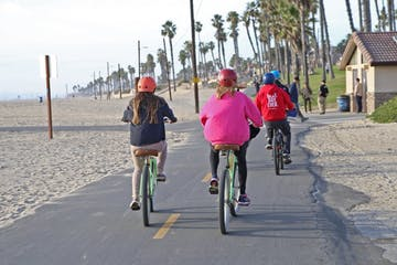 Biking-Tour-of-Huntington-Beach