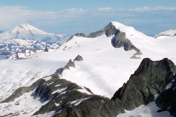 the big snowfields and glaciers beneath Eldorado Peak