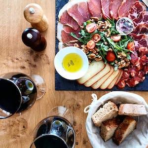 Tour gastronómico de salchichas portuguesas ahumadas Braga