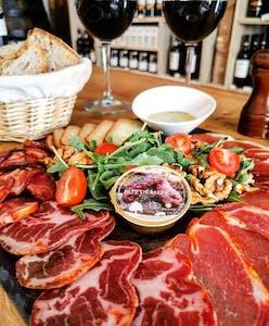 Tour gastronómico de salchichas portuguesas ahumadas oporto