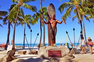 duke-kahanamoku-statue