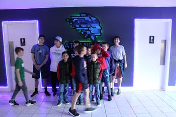 group of kids at the vr arcade