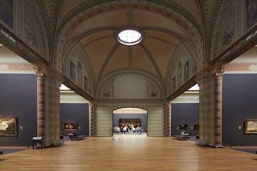 sala con una claraboya en el techo en el Rijksmuseum