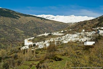 valle de una montaña en Sierra Nevada