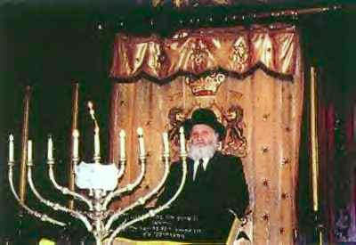 NYC Walks Blog 2a Rabbi Ya'acov Spiegel upstairs First Roumanian-American syngogue