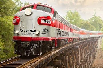 Streamliner passenger train