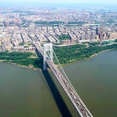 VIP Manhattan Helicopter Tour Above Brooklyn bridge