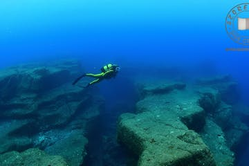 underwater view of the ocean