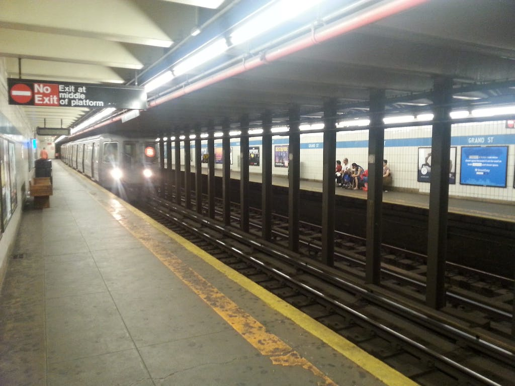 Grand St Subway Station