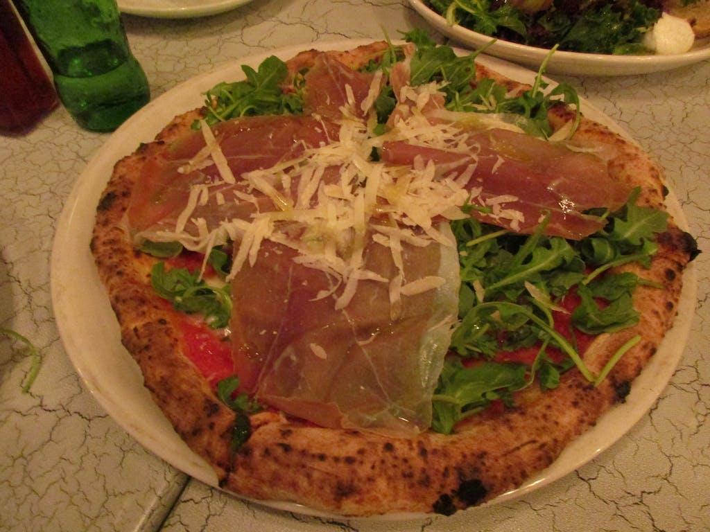 Keste Prosciutto and Arugula Pizza