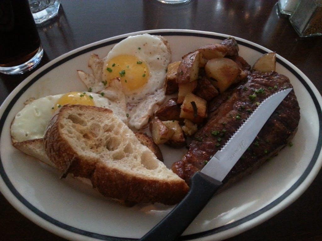 Les Enfants de Bohème Steak and Eggs