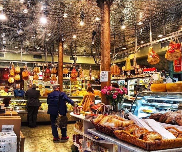 Di Palos Little Italy Shop