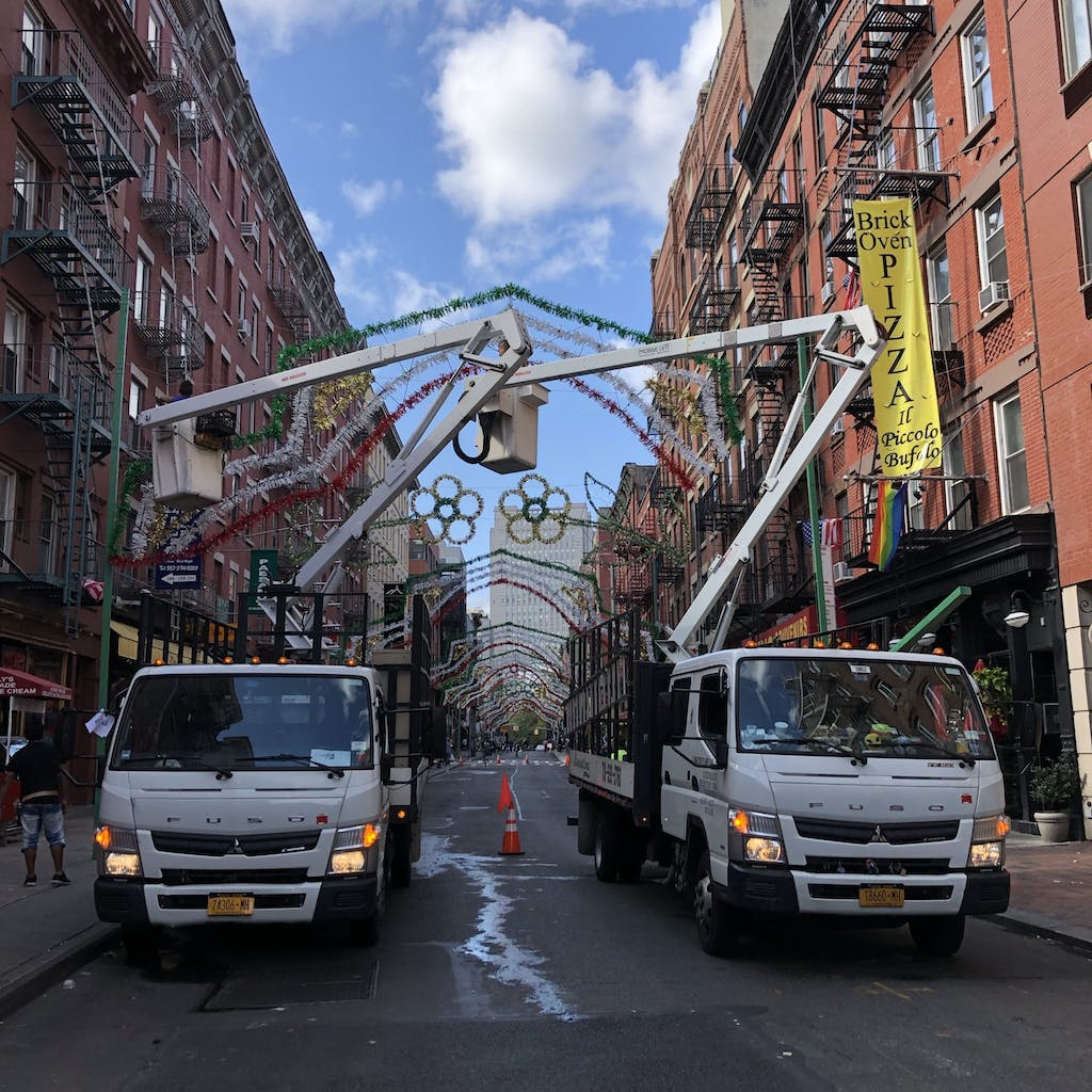 Setting Up for Feast of San Gennaro (1)