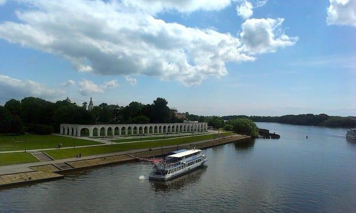 Boat trip in Novgorod