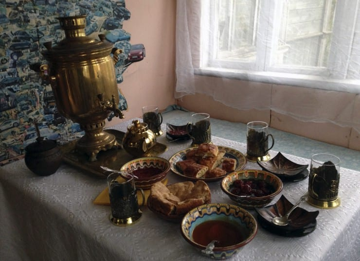 Russian Tea drinking tradition