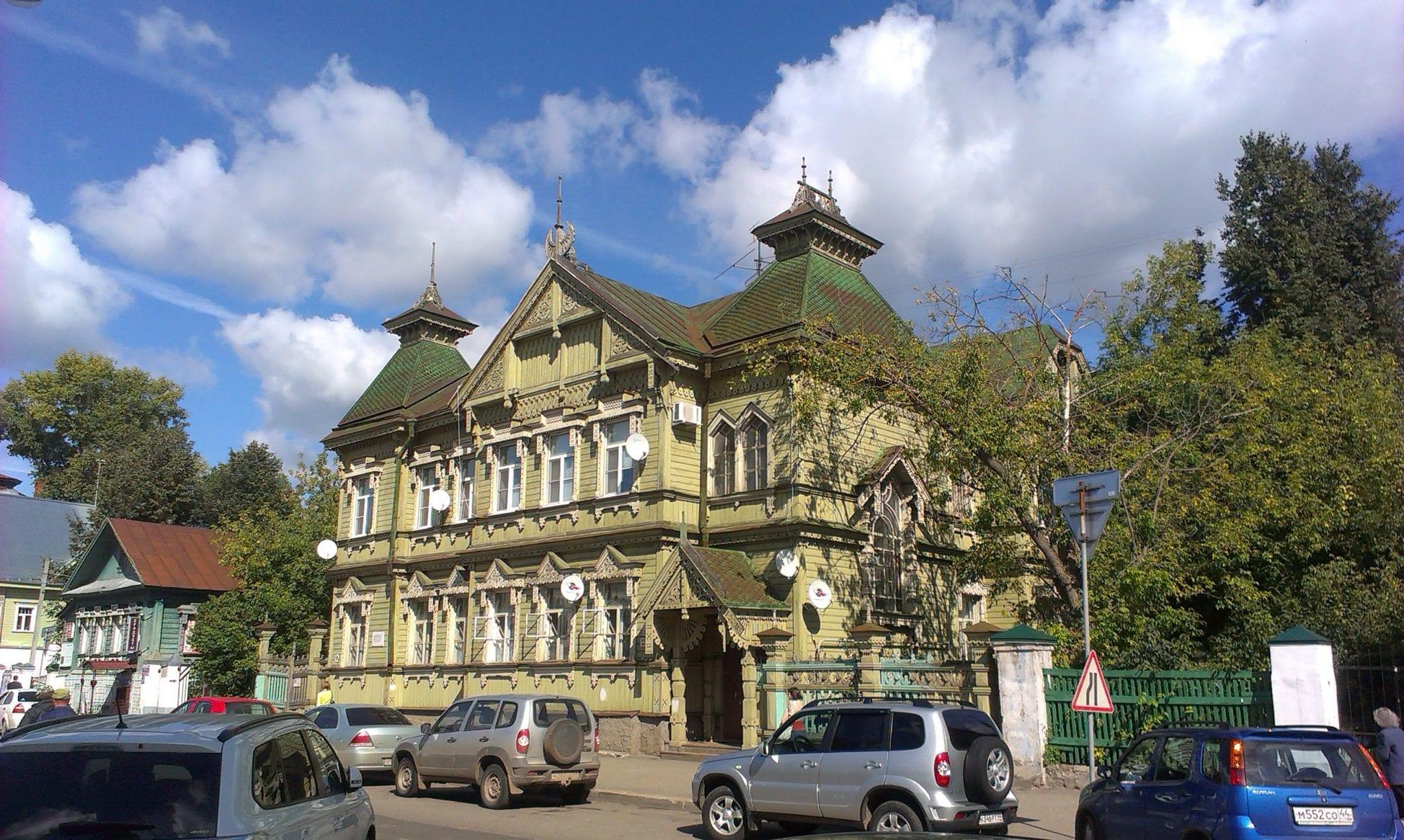 Kostroma wooden house