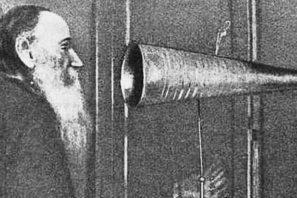 Leo Tolstoy's gadgets