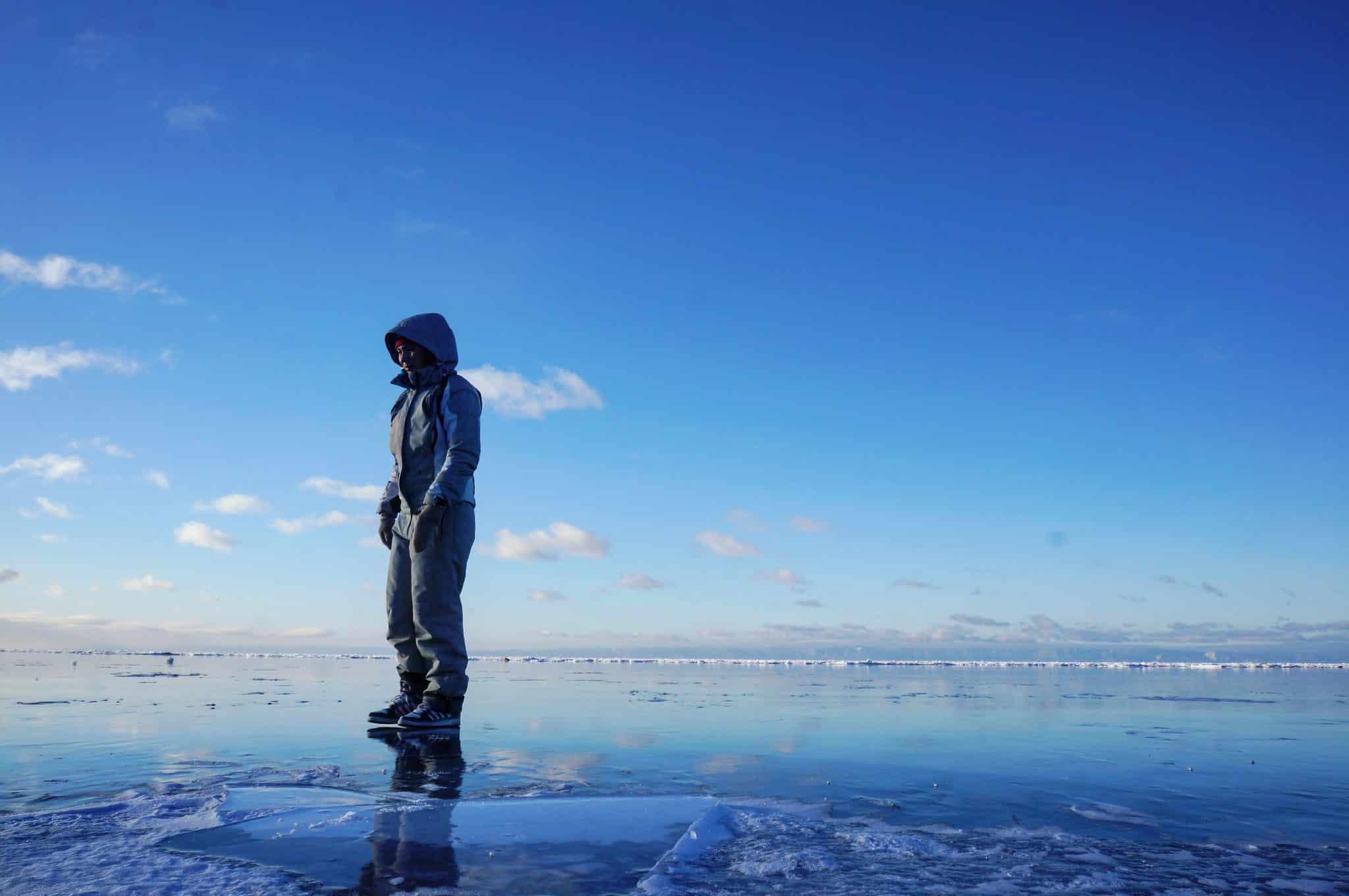 Glace sur Baïkal en hiver