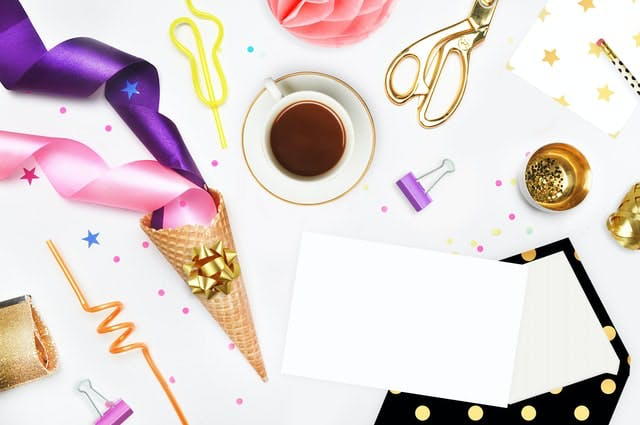 A bunch of different items that you can use for decoration when throwing a retirement party