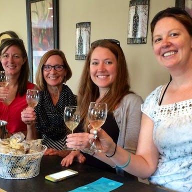 women enjoying the Wisconsin Dells winery trolley tour