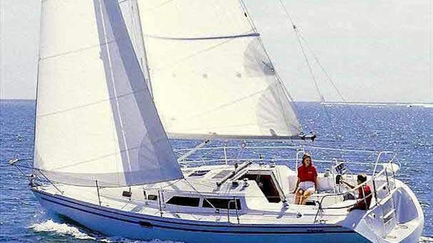 Catalina 320 sailboat charter in San Diego