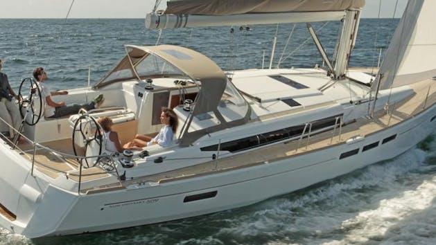Jeanneau 519 sailing yacht in San Diego