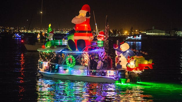 Parade of lights san diego bay seaforth boat rentals put on your stockings and warm layers and prepare yourself for some holiday spirit after check in you will begin boarding and meet your captain solutioingenieria Gallery