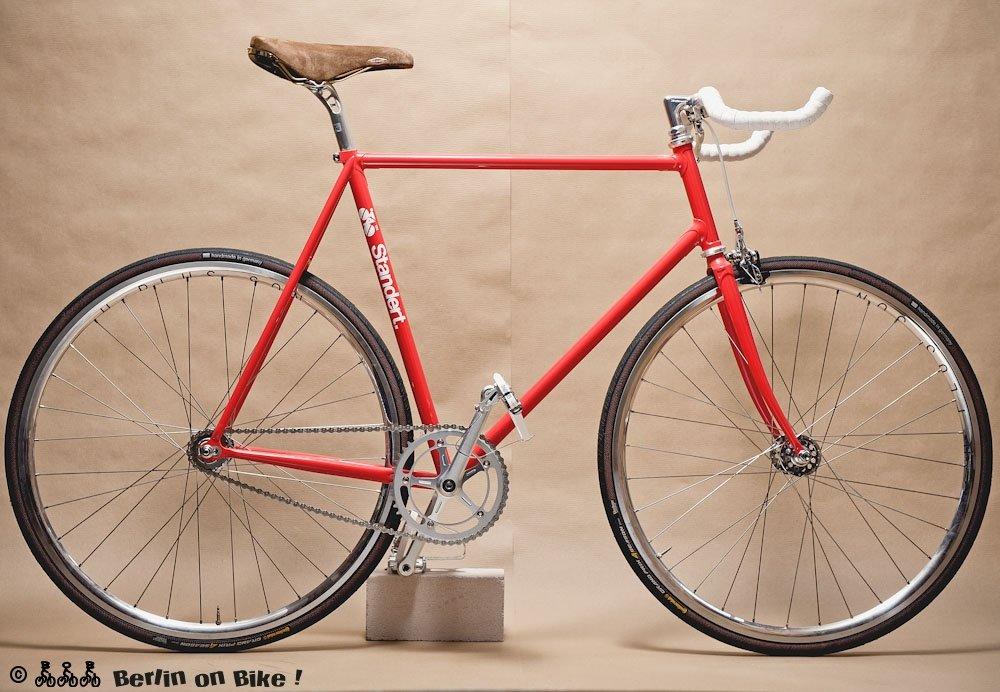 Edler Standert-Stahlrenner, ideal für Fahrrad-Touren im Berliner Flachland