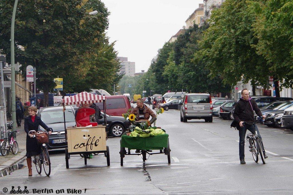 Männer Fahrrad Strasse