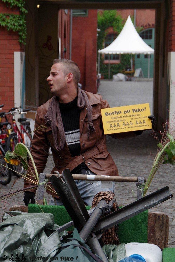 Mann Lastenrad Schild