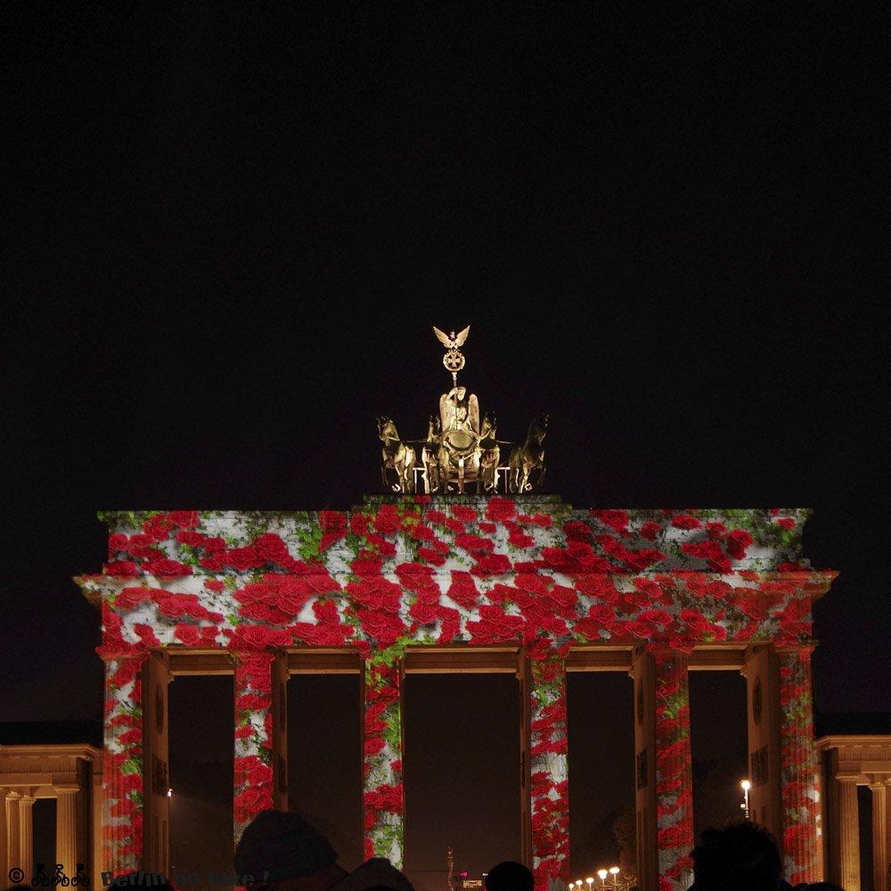 Berliner Denkmal beleuchtet bei Nacht