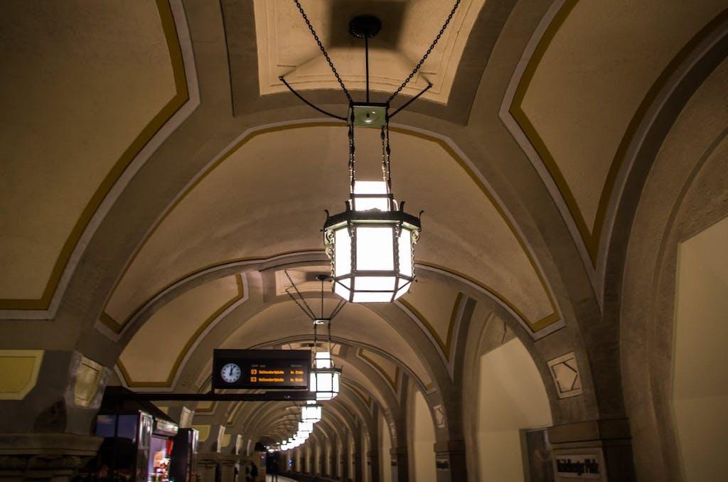 Berlins schönste Bahnhöfe: Gewölbehalle des Bahnhofes Heidelberger Platz.