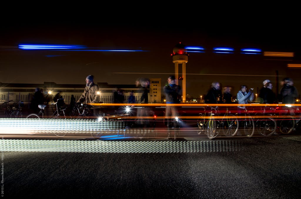 Bild: Lars-Thore-Rehbach: Auf dem Tempelhofer Feld, beim Anfeuern von Herrn Strasser