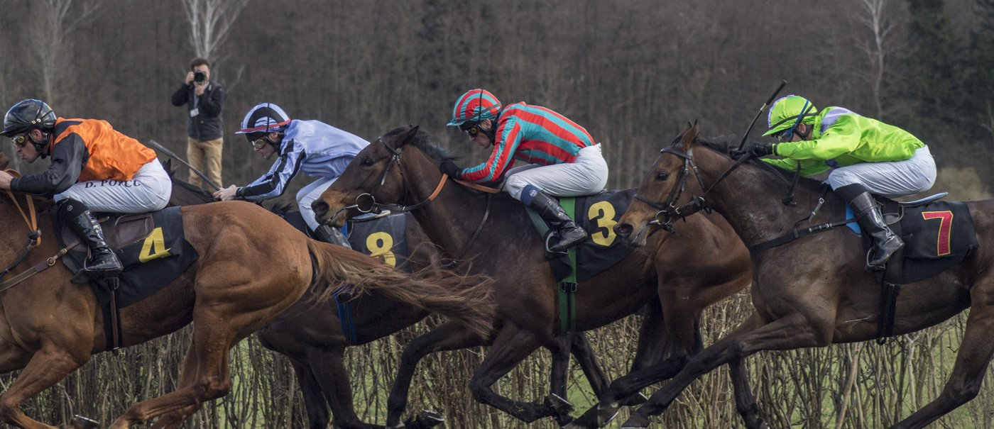 berlin-hoppegarten-Pferderennen-Ostern-2015-7140