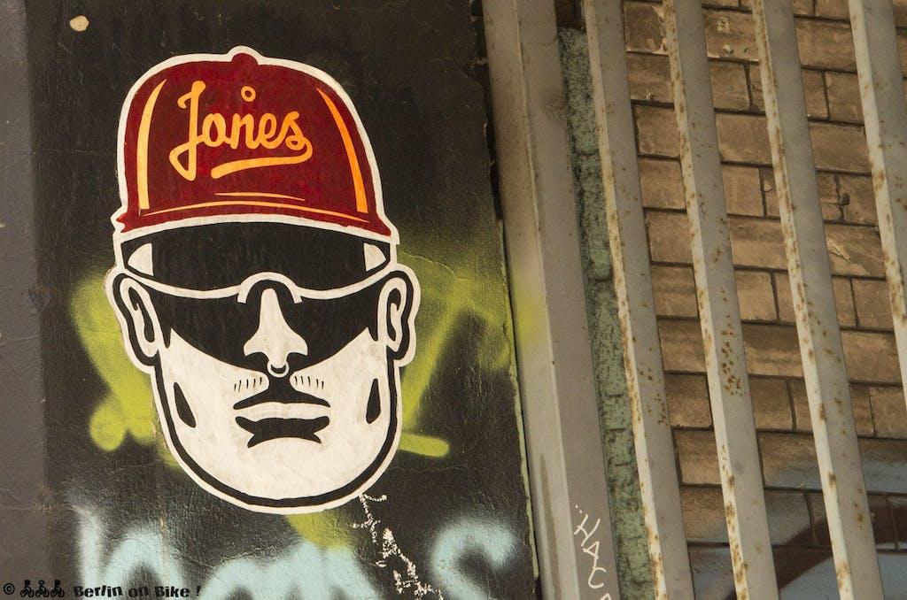 Jones, pasteup, wrangelstraße