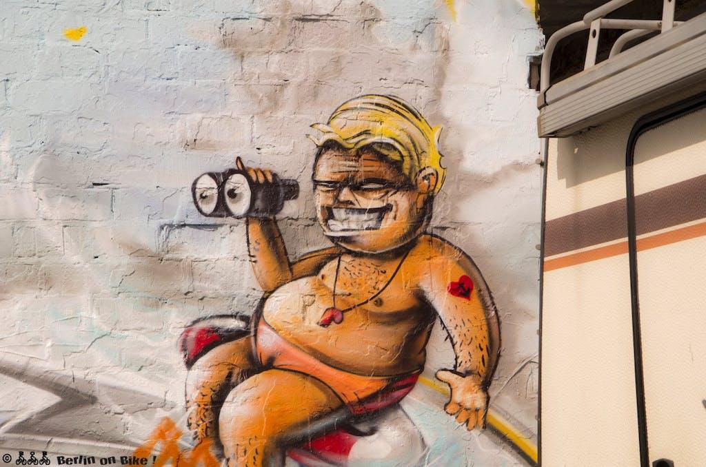 Typischer Berliner Sommerfrischler auf dem RAW-Gelände in Friedrichshain