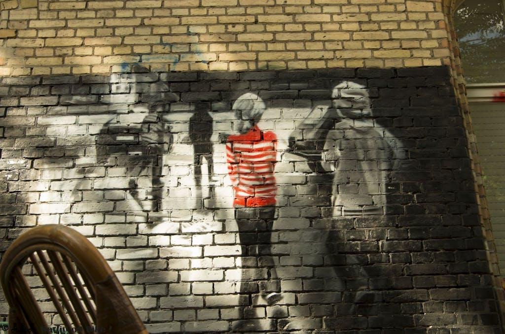 Schönes und irgendwie trauriges piece an einer Wand am Künstlerhaus Bethanien in Kreuzberg.
