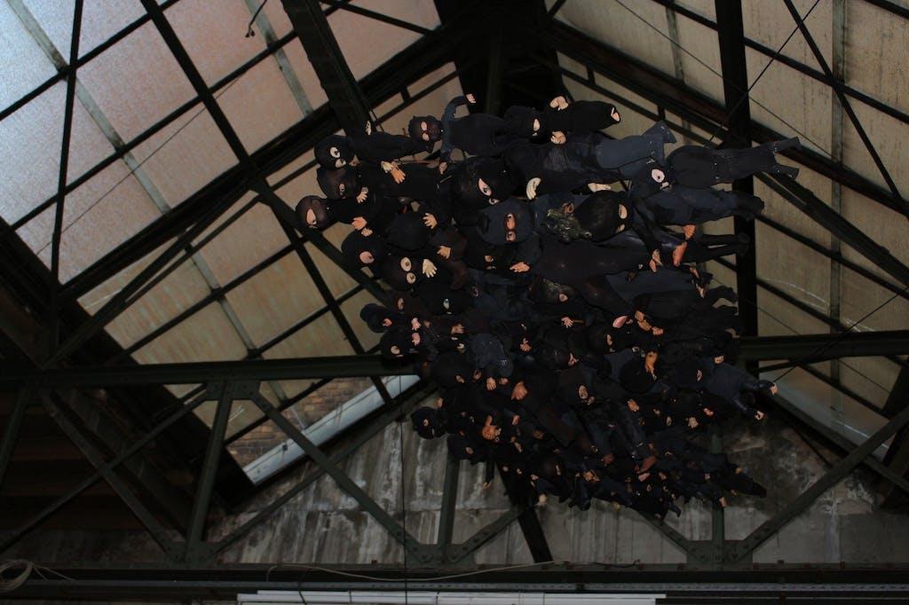 Puppeninstallation @ G11 Galerie LANDSCAPE - METROPOLIS im Industriesalon Schöneweide