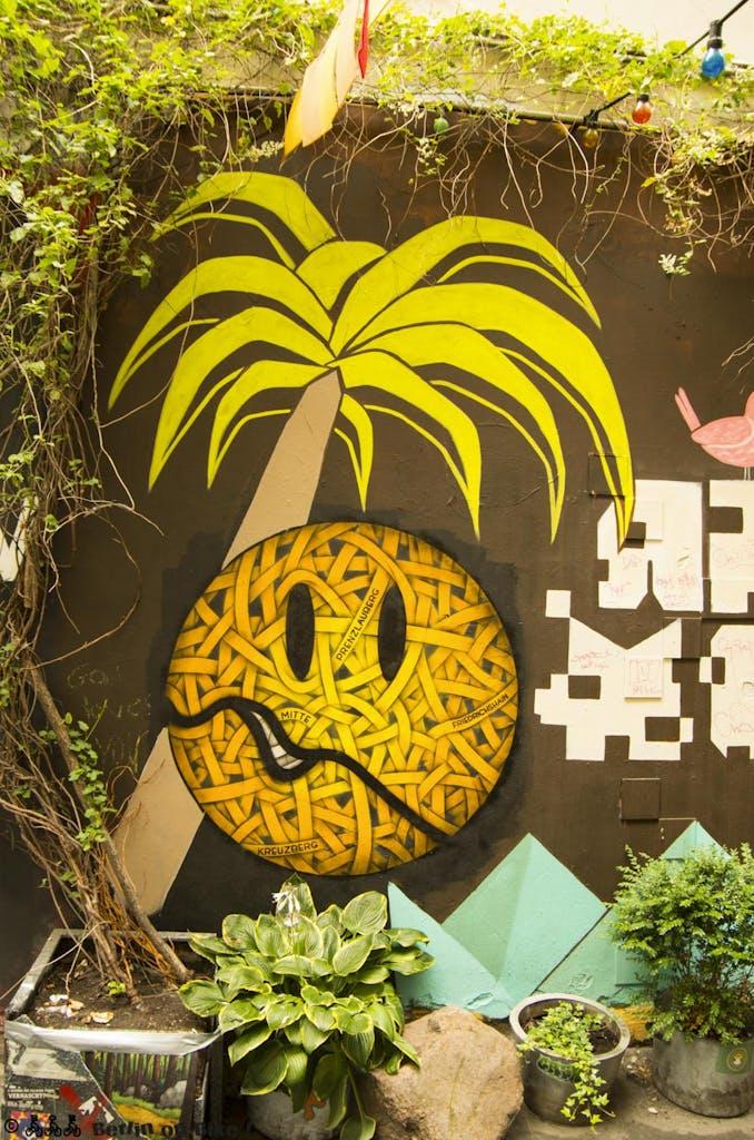street-art-berlin-haus-schwarzenberg-2015-9139