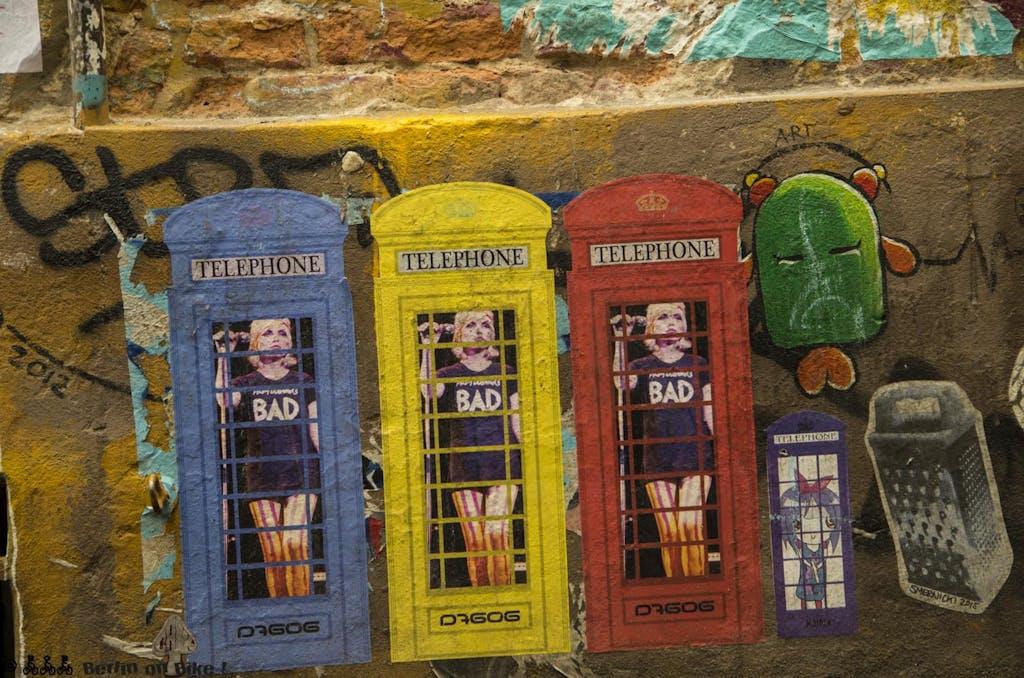 street-art-berlin-haus-schwarzenberg-2015-9144