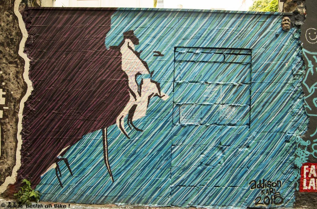 street-art-berlin-haus-schwarzenberg-2015-9154