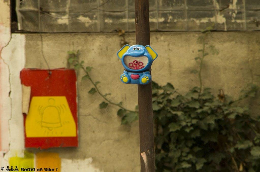 street-art-berlin-yaam-2015-9173