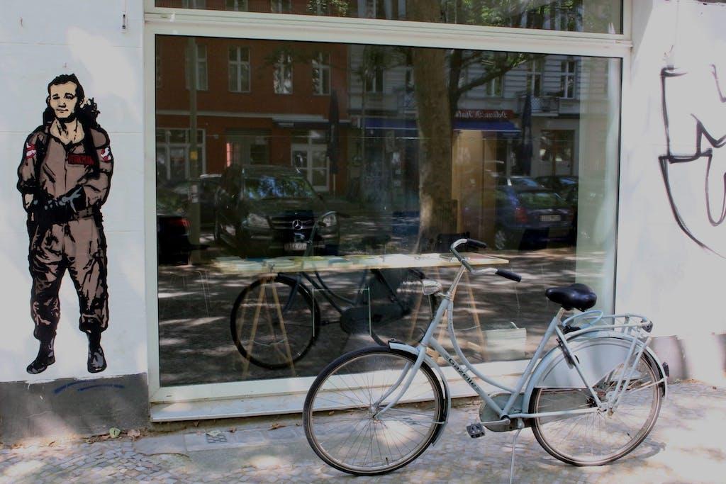 Ghostbuster Peter Venkman & Bike