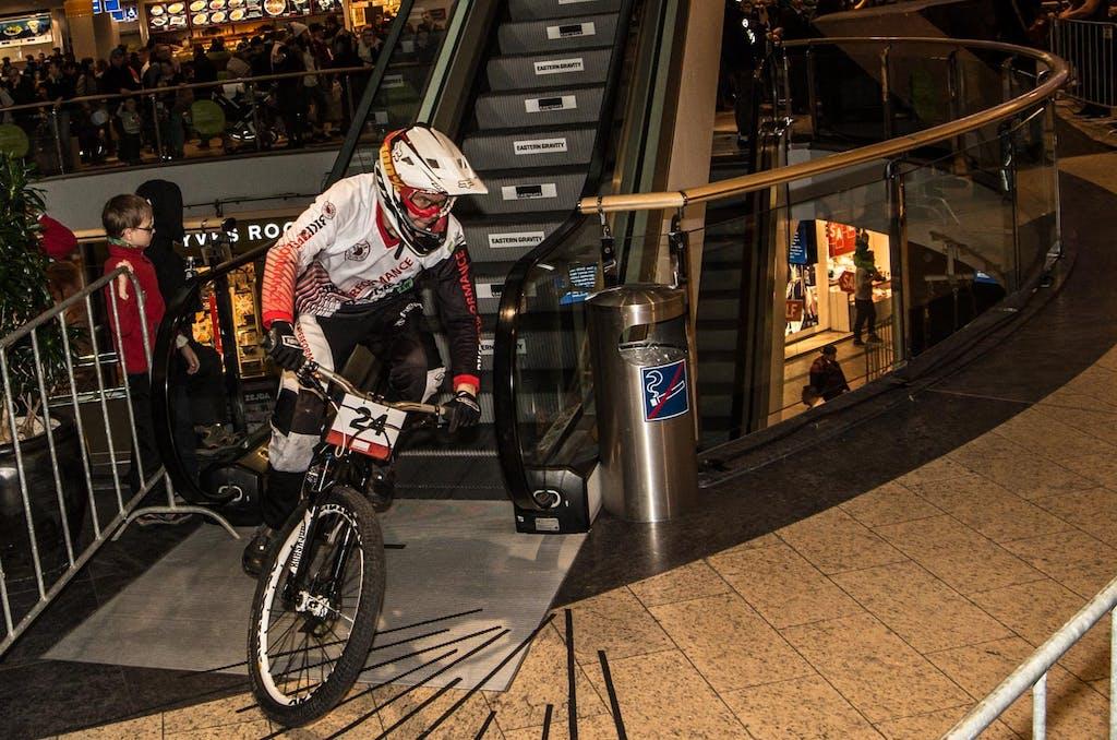 downmall-berlin-fahrradrennen-4595