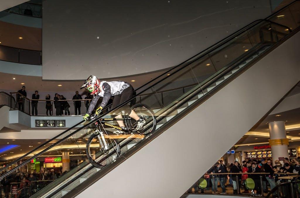 Downmall Radrennen im Eastgate Berlin