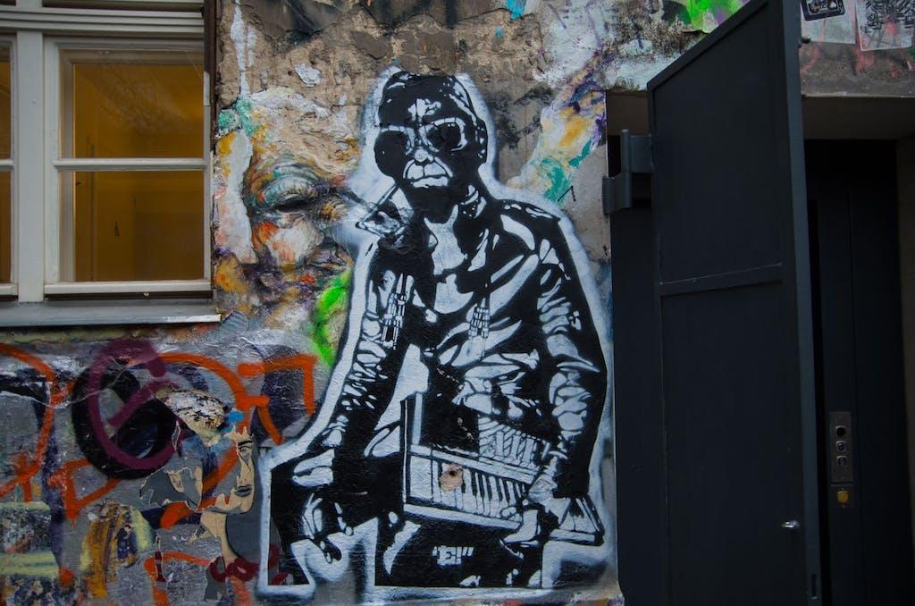 Yeah. Stadtaddte mit Keyboard. Stencil aus dem Haus Schwarzenberg.