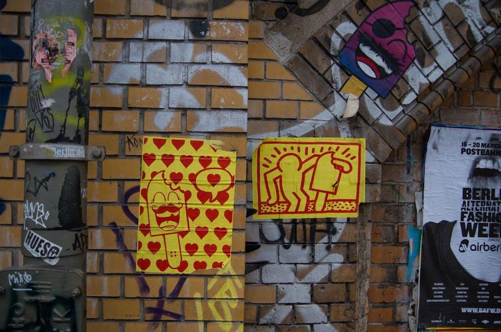 Mehr von den bärtigen Eisen, diesmal mit Herzen und einer Hommage an Keith Haring.