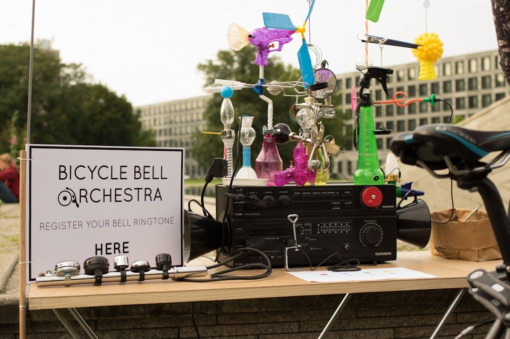 Stand beim Art Spin 2016 mit der Anmeldung zum Konzert für Fahrradklingeln.