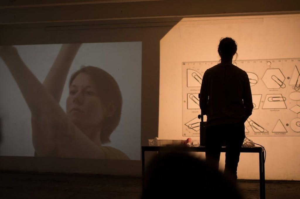 """Performance """"Flow Instablities"""" beim Art Spin 2016 in den Höfen der Fabrik 23"""